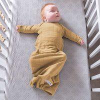 lodger newborn slaapzak hydrofiel solid honey okergeel