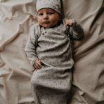 Snooze Baby New Born Cocon + Mutsje Smokey Green Rainbow